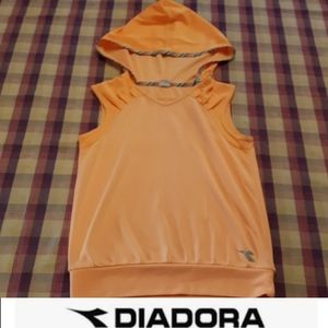 size L girls Diadora athletic hoodie workout shirt